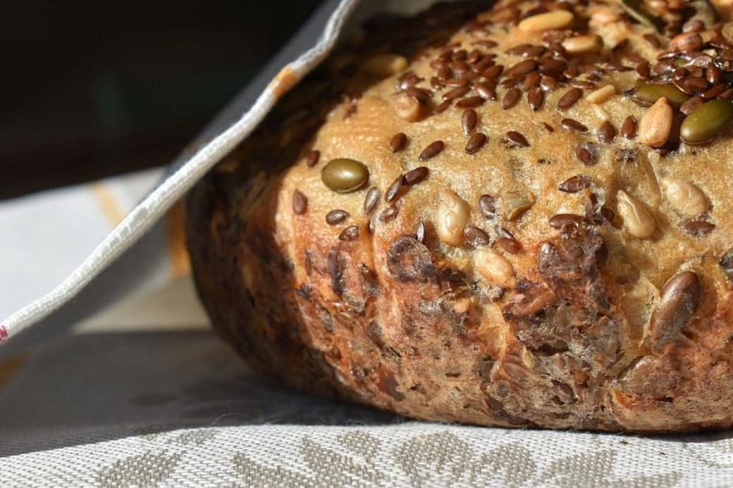 Brot mit Leinsamenmehl